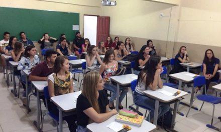 PIO XII realiza palestra para estudantes em Paraju