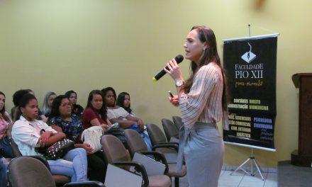 Faculdade recebe palestra Comunicação e Persuasão
