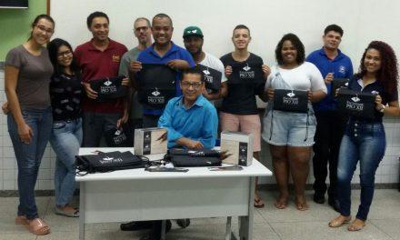 Alunos da Escola Maria Penedo recebem mimo da PIO XII