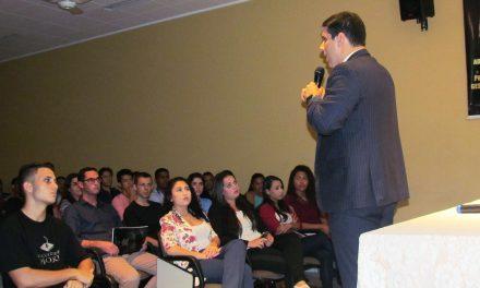 PIO XII recebe Amaro Neto em palestra sobre Gestão de Produção