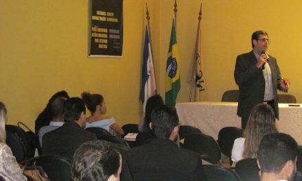 PIO XII realiza palestra sobre leis e cálculos trabalhistas