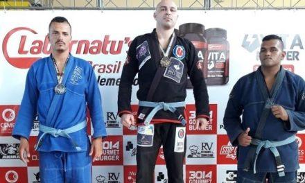Atleta PIO XII é bicampeão em Jiu Jitsu