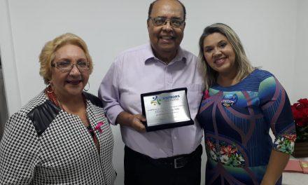 Professor PIO XII é homenageado pelo Sinpro/ES