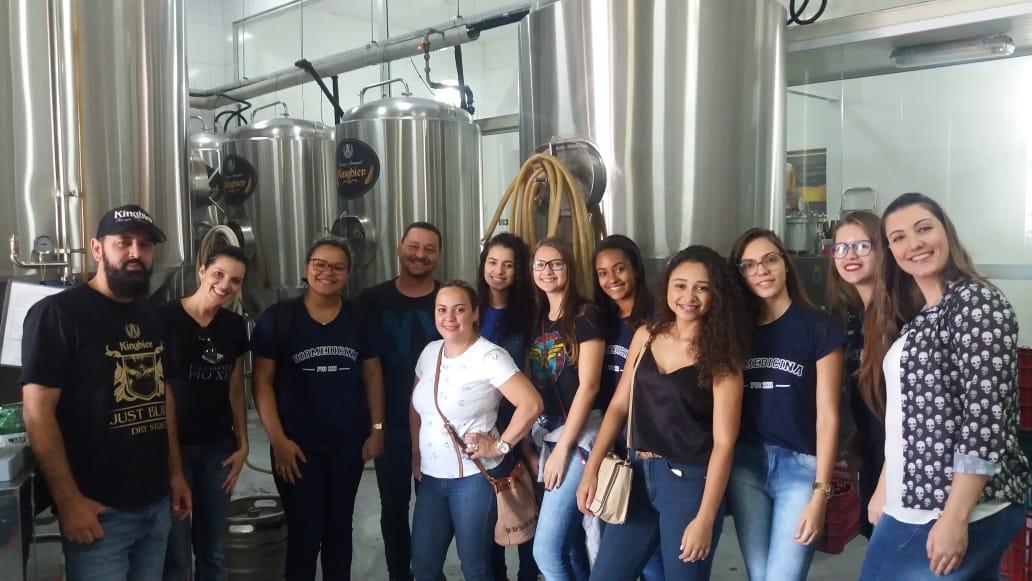 Biomedicina realiza visita técnica a Cervejaria