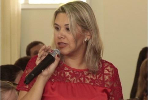 Professora PIO XII recebe homenagem