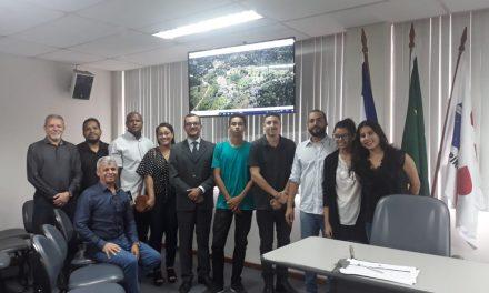 Alunos e professores participam de reunião da CDA