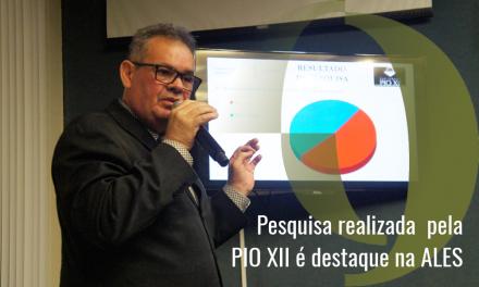 Professor da PIO XII palestra e mostra resultado de pesquisa na ALES