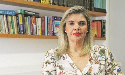 Tá na mídia: Texto de professora da PIO XII sobre Black Friday é publicado em A Tribuna