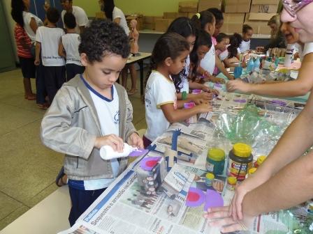 Projeto da PIO XII realiza ação em escola pública
