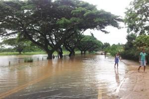 Quase 20 mil pessoas estão fora de casa por causa da chuva; previsão é de mais temporal