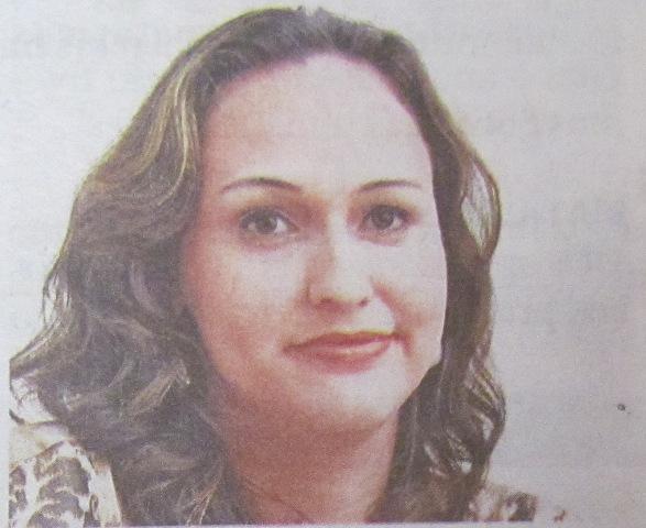 Professora Neidy faz análise para o jornal A Tribuna