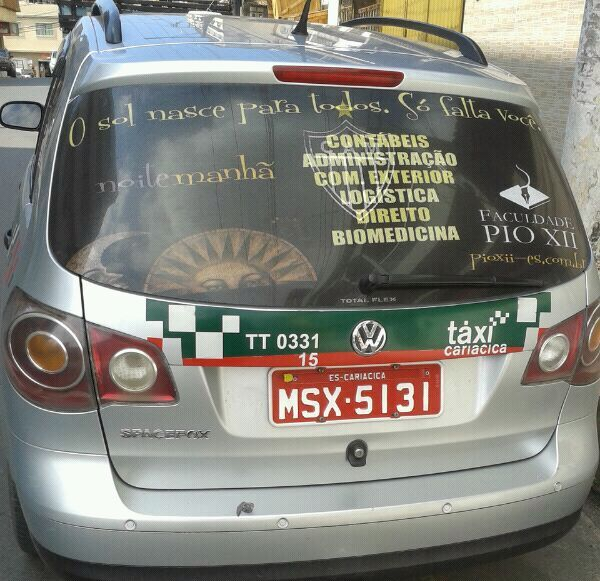 Táxis divulgam a Faculdade PIO XII
