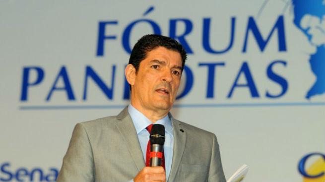 Brasil está preparado para receber turistas na Copa, diz ministro