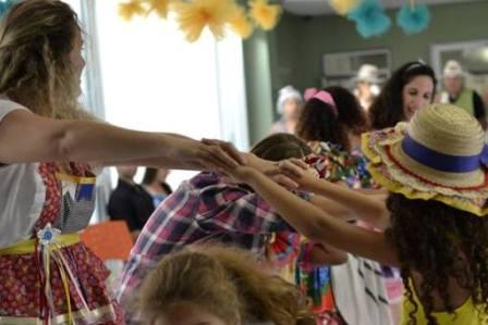 """""""Risos que Curam"""" em clima de Festa Junina na Acacci"""