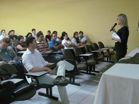 Professora Martha Hand fala sobre o canal do Panamá