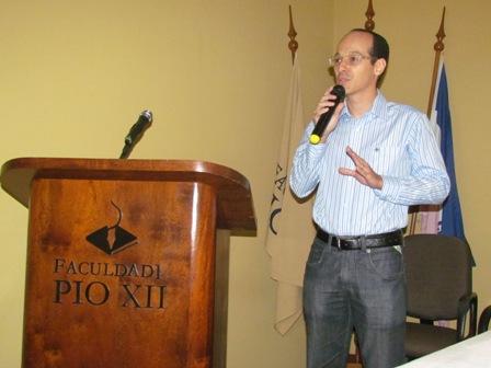 """""""Ebola"""" e """"Toxicologia"""" são temas das primeiras palestras da Semana de Biomedicina"""