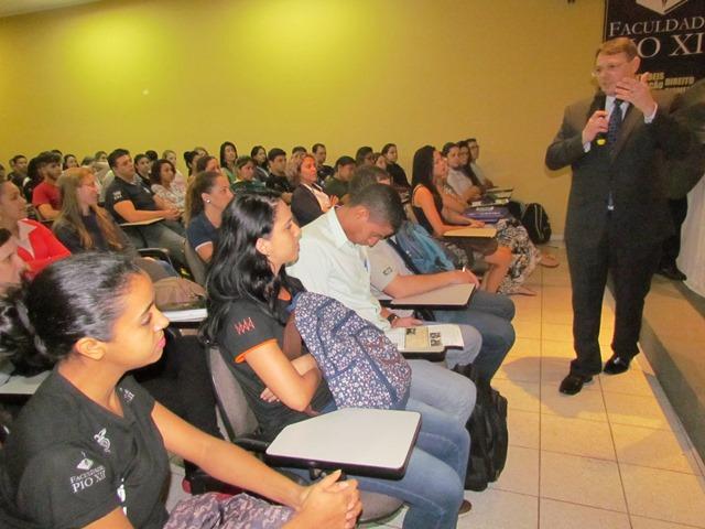 Semana de Contábeis da PIO XII é notícia na coluna Hélio Dorea