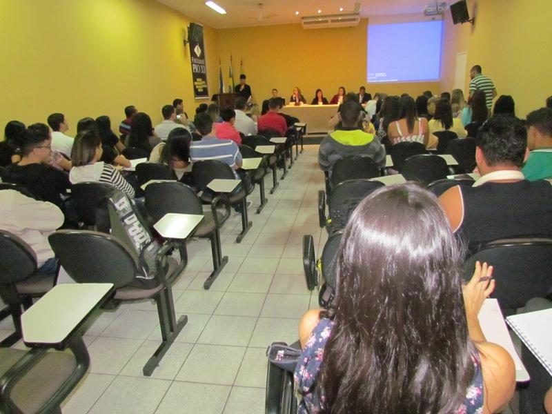 Aprendendo na prática: acadêmicos de Direito simulam júri