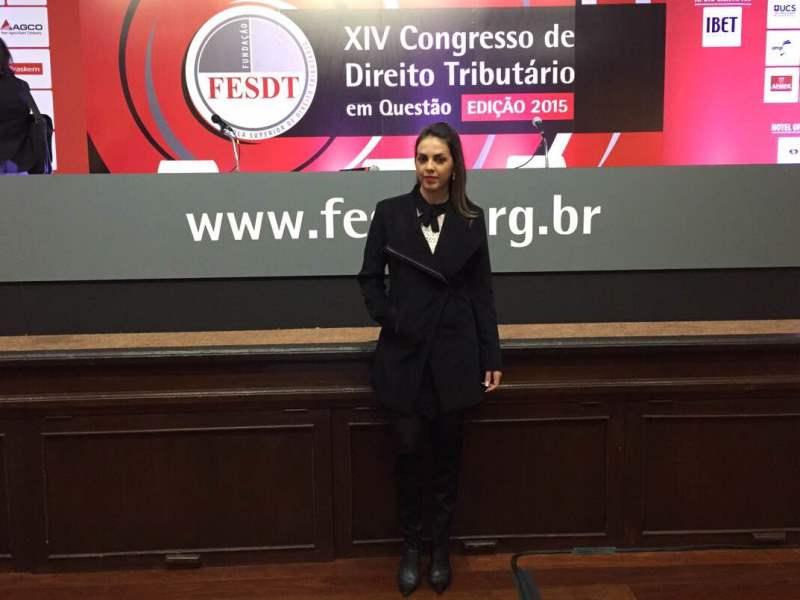Professora Tamires Zorzal participa de Congresso no Rio Grande do Sul