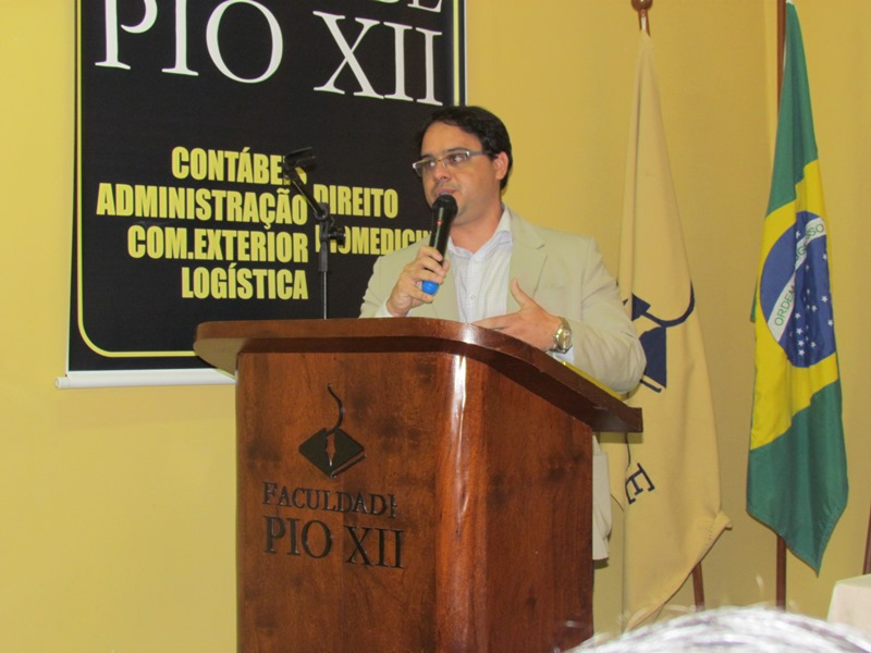 Leonardo Tovar encerra a Semana de Direito falando sobre Código de Processo Civil de 2015