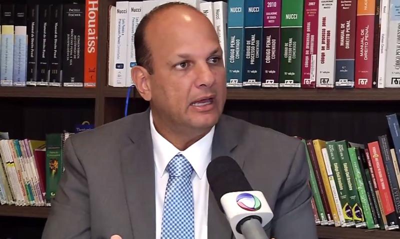Professor Rivelino Amaral fala sobre redução da maioridade em programa de TV