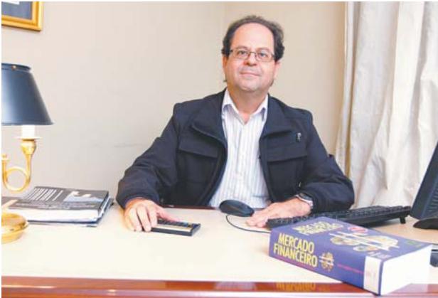 Professores da PIO XII concedem entrevistas a jornais