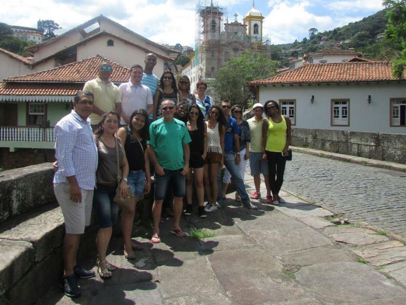 Alunos e funcionários da Faculdade e do Colégio PIO XII viajam para Mariana e Ouro Preto
