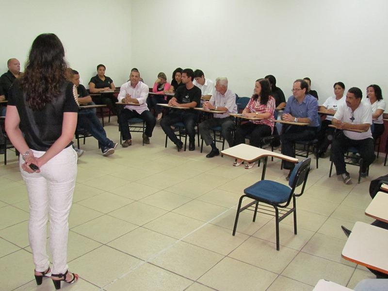 Equipe da Faculdade PIO XII participa de treinamento