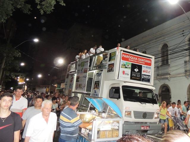PIO XII patrocina carro de apoio em Romaria dos Homens na Festa da Penha