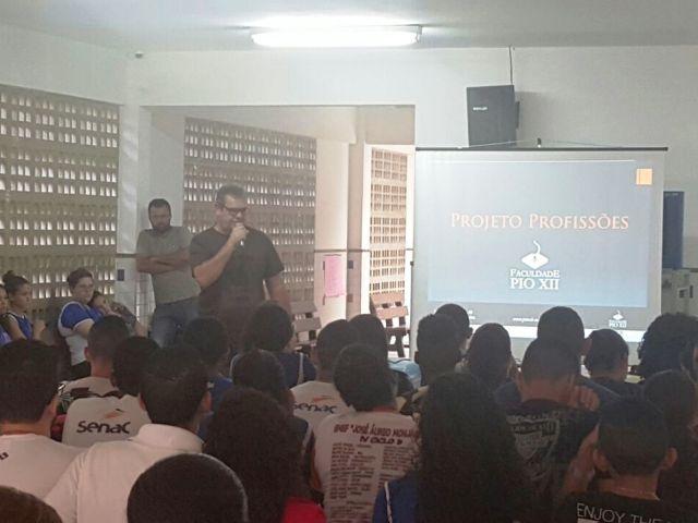 Coordenadores da PIO XII iniciam Projeto Profissões em escolas de Ensino Médio
