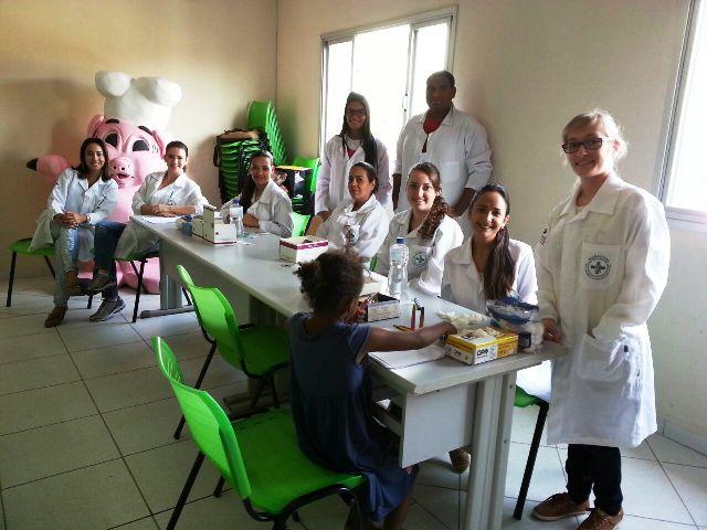 Biomedicina em Ação: alunos divulgam informações sobre vírus que causam hepatite
