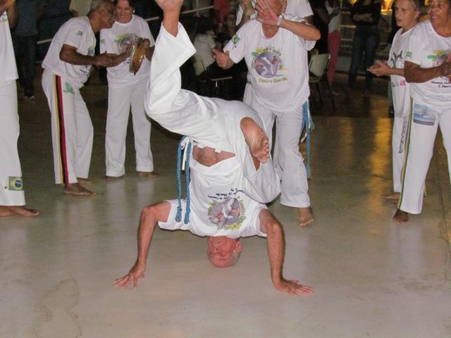 Capoeira da Terceira Idade agita Quarta Cultural