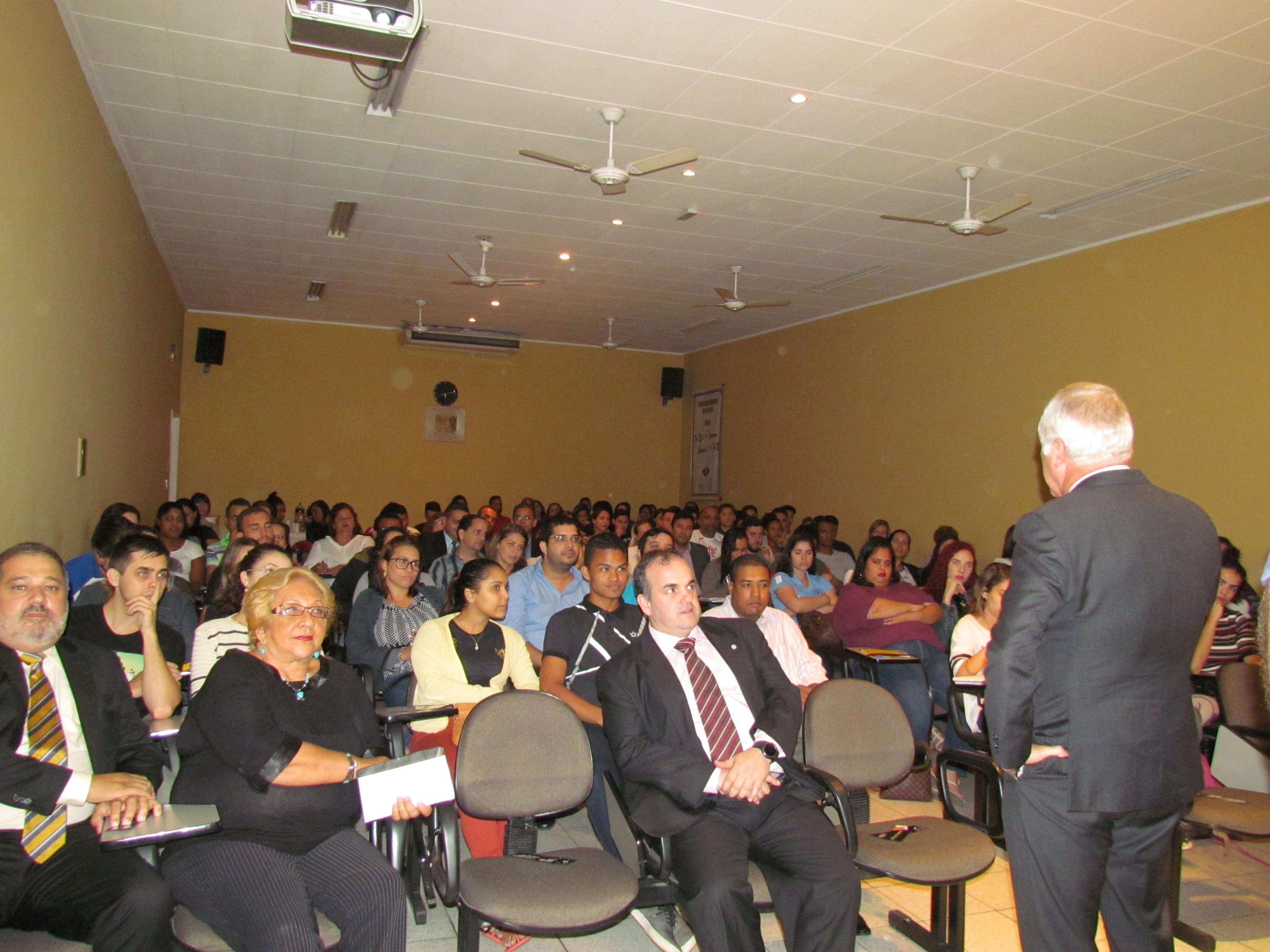 PIO XII recebe Desembargador Presidente do TRT em palestra